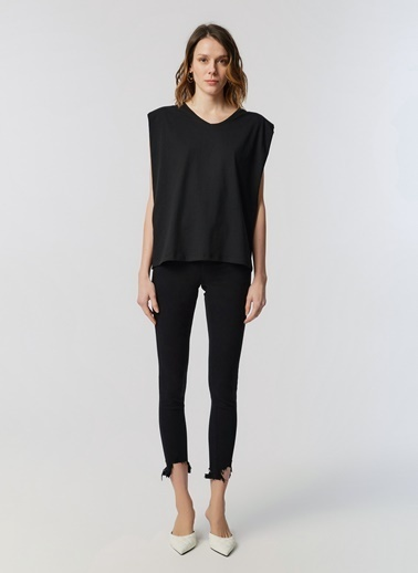 Monamoda V Yaka Vatkalı T-Shirt Siyah